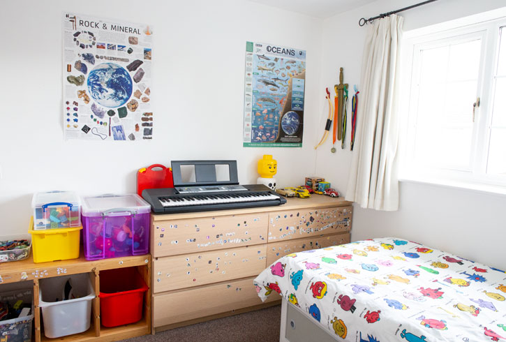 Minimalist kids bedroom 2